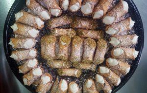 Circular tray of cannoli
